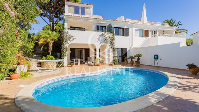 SEMI-DETACHED VILLA WITH DELIGHTFUL VIEWS
