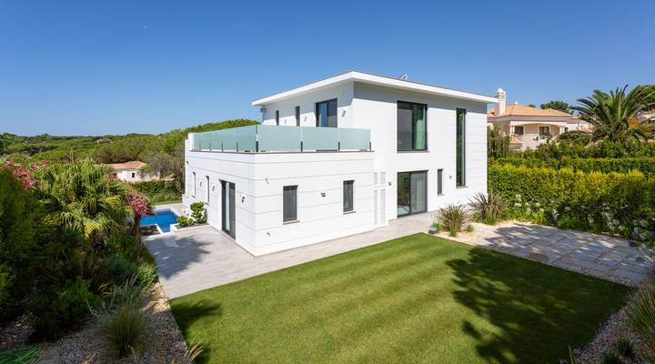 Contemporary Golf Villa Thumbnail